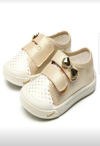 dd60dae317c Descrição da(s) Mercadoria(s) . Lote de Sapatos Infantis ...