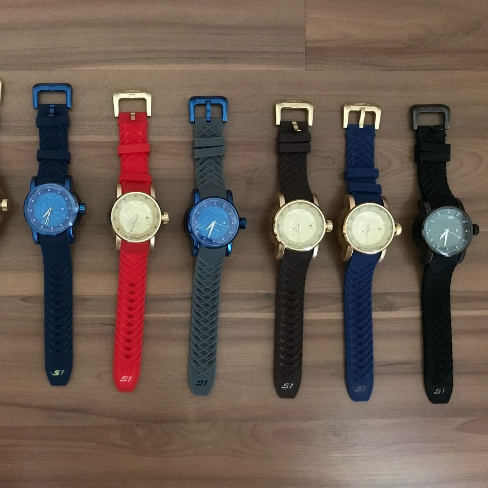 85c8b51ee0466 Lote 10 Relógios Invicta Yakusa Dragon S1 Unissex Varias Cores